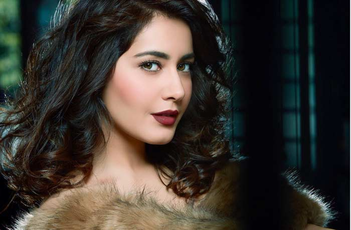 raashi khanna,latest pic,sensation,heroine raashi khanna  పిక్: రాశి ఖన్నా అరిపించేసిందిగా..!!