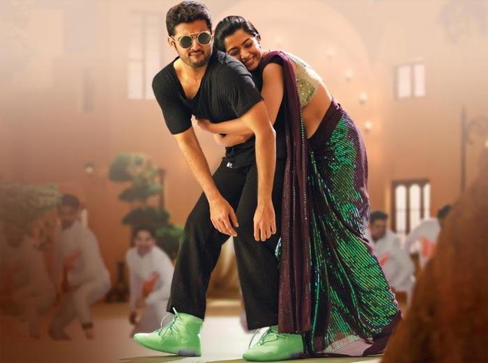 rashmika mandanna,latest,still,sensation,bheeshma movie  అబ్బబ్బబ్బా.. రష్మిక గ్లామర్ డోస్ పెంచిందిగా?