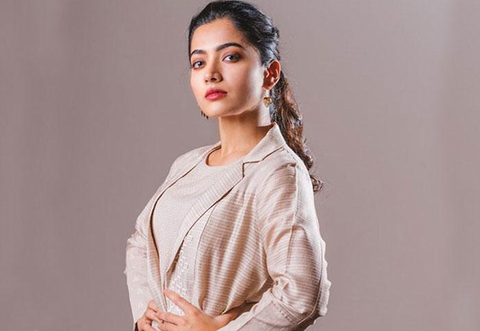 rashmika,rakul preet singh,tollywood,small heroes,budget  రకుల్లా చేయనంటున్న రష్మిక..!