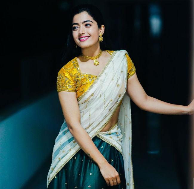 rashmika,rashmika mandanna,dear comrade,traditional look,geetha govindam,  రష్మిక ట్రెడిషనల్ ట్రీట్ మామూలుగా లేదుగా!