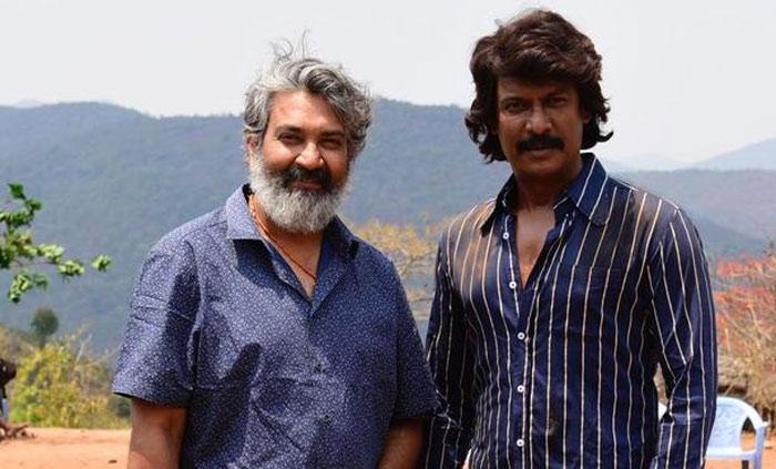 samuthirakani,jr ntr,uncle,rrr movie,rajamouli  RRR: ఓ Rకు బాబాయ్గా సముద్రఖని!
