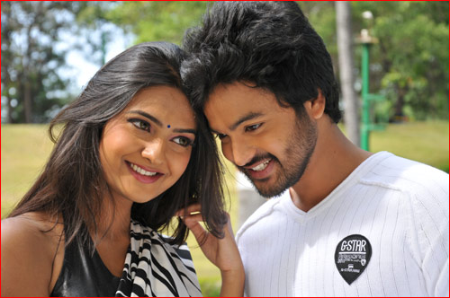 telugu movie the bells,the bells movie motion poster released,rahula and neha deshpande in the bells,the bells movie music director praveen chander,the bells movie producer venkatachari,the bells movie stills  'ది బెల్స్‌' మోషన్‌ పోస్టర్‌ విడుదల