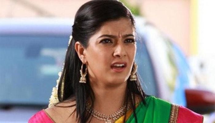 varalakshmi sarath kumar,marriage rumours,satirical reaction,heroine,kollywood  మీడియాపై వరలక్ష్మీ వెటకారపు మాటలు!
