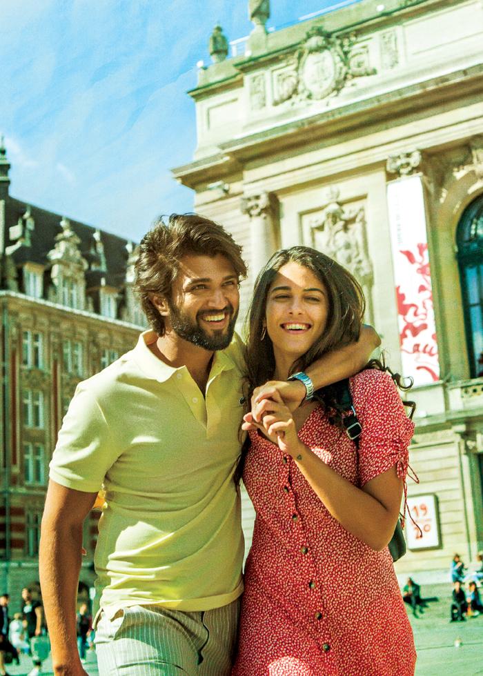 vijay devarakonda,french girlfriend,world famous lover,aishwarya rajesh,izabelle leite  'వరల్డ్ ఫేమస్ లవర్'లో ఫ్రెంచ్ గర్ల్ ఫ్రెండ్తో విజయ్