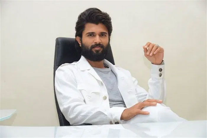 vijay deverakonda,wants,pan india,story  విజయ్ దేవరకొండ.. పాన్ ఇండియా కథ అయితేనే!